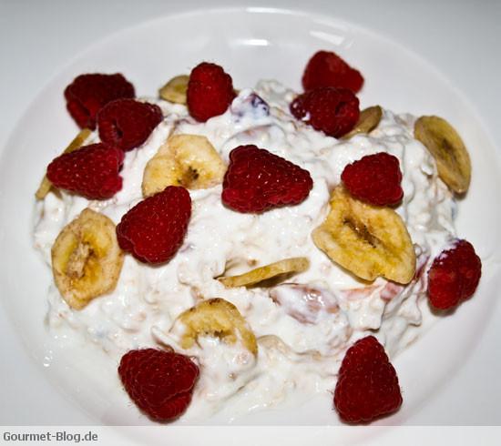 himbeer-bananen-chips-haferflocken-cranberry-muesli