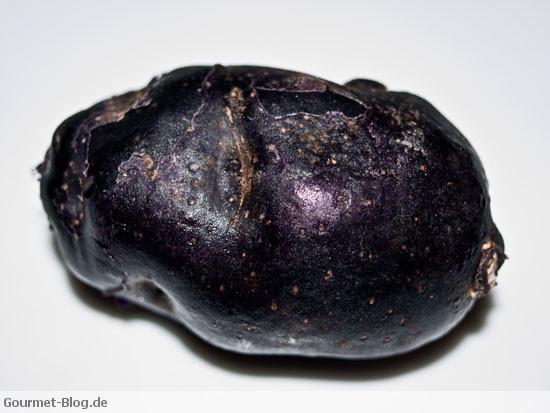 trueffelkartoffel-vitelotte-blaue-kartoffel