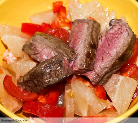 pomelosalat-mit-paprika-und-rindersteak