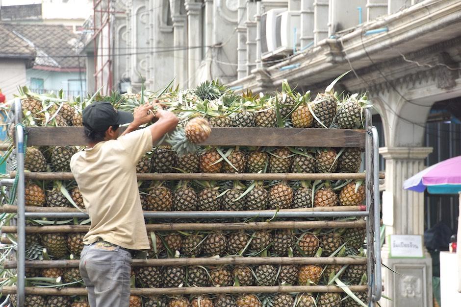 Ananas in Thailand - Hier braucht man nicht nachreifen zu lassen