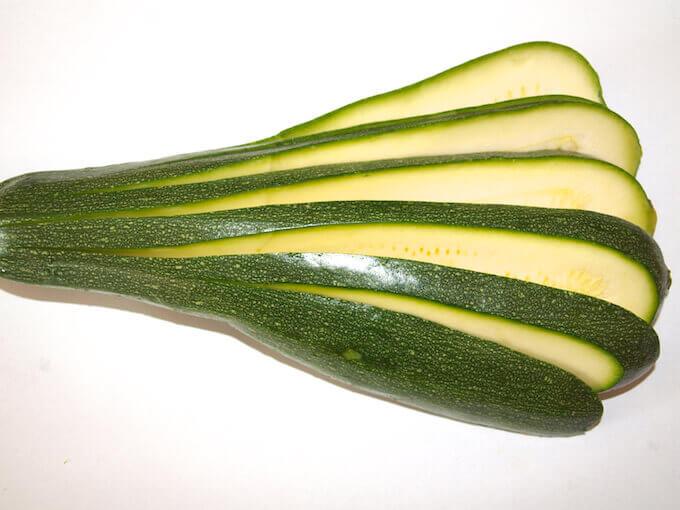 Zucchini für Gratin benutzen