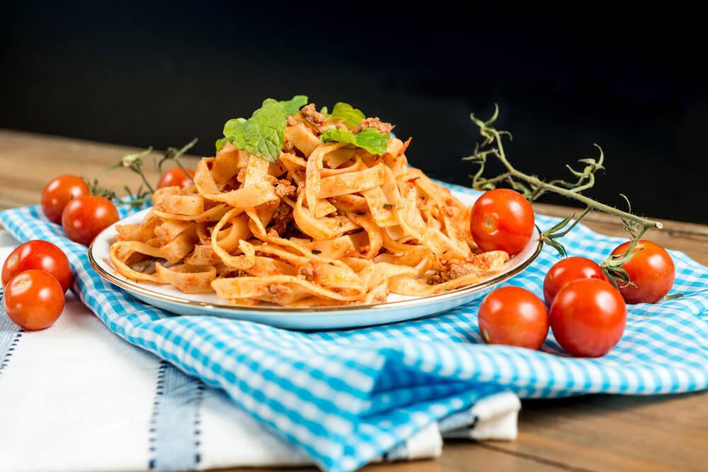 Rezept: Spaghetti Bolognese - ein Klassiker! ·