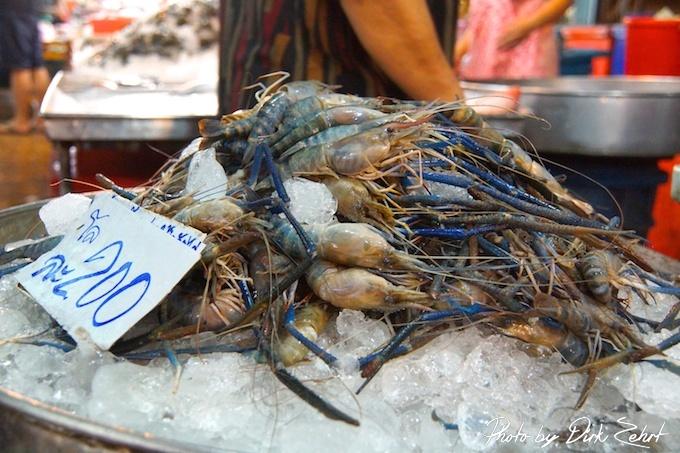 Fischmarkt Samut Prakan, Frischer gehts nicht