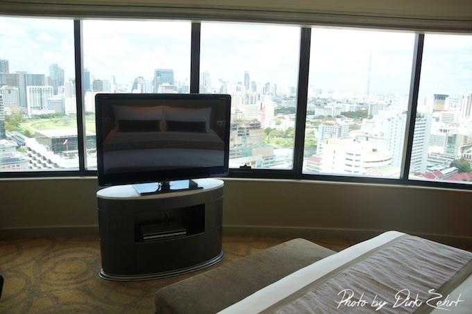 intercontinental-bangkok corner suite 2