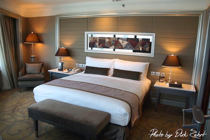intercontinental-bangkok corner suite