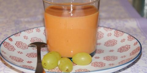 papaya-mandelmilch drink