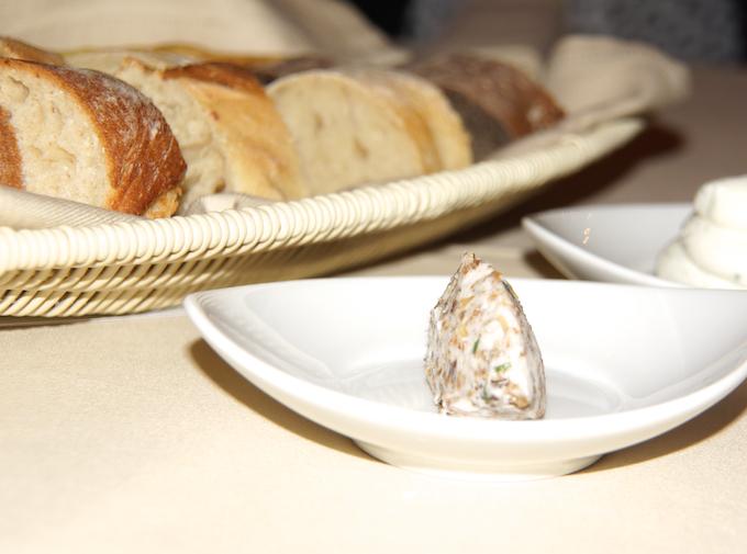 Restaurant-Zum-Löwen-Brot-und-Schmalz