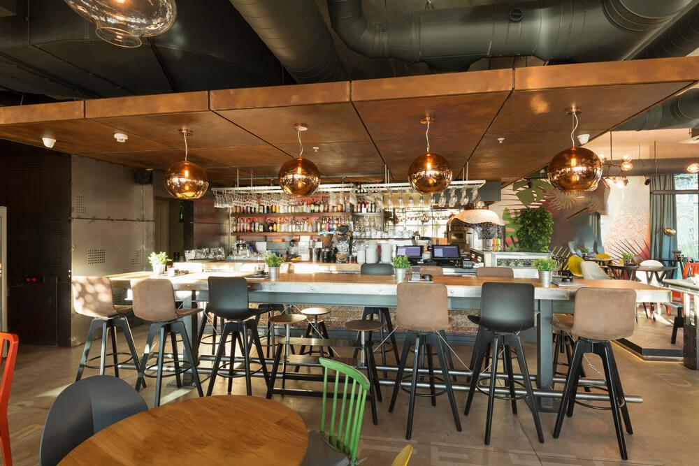 Innendesign eines neuen Restaurants