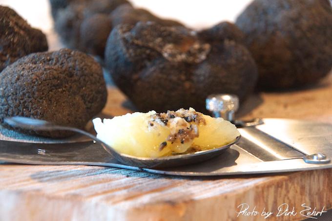 Stampfkartoffeln mit flüssiger Butter und Trüffel