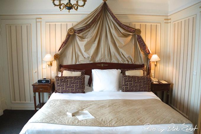 Napoleon Hotel Paris -Suite mit Bett
