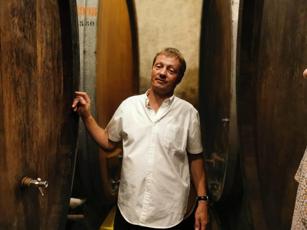 Cave Alain Emery, Aigle, Waadt - Alain Emery im Weinkeller