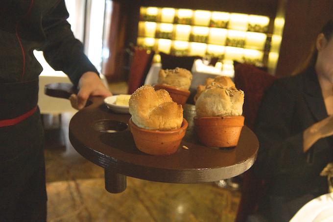 Fireplace Grill Bangkok - Brot in Blumentöpfen gebacken - einfach toll