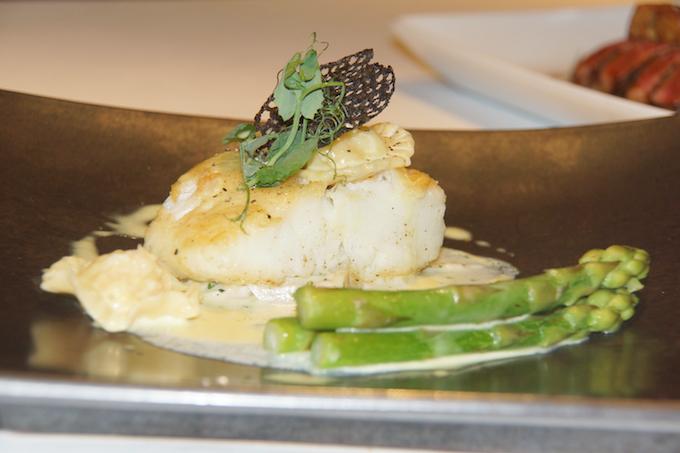 Fireplace Grill Bangkok - Cod und Spargel - der leichte Genuss