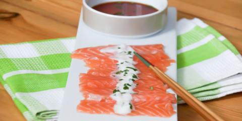 Lachs Sashimi mit Koriander-Chili Soße