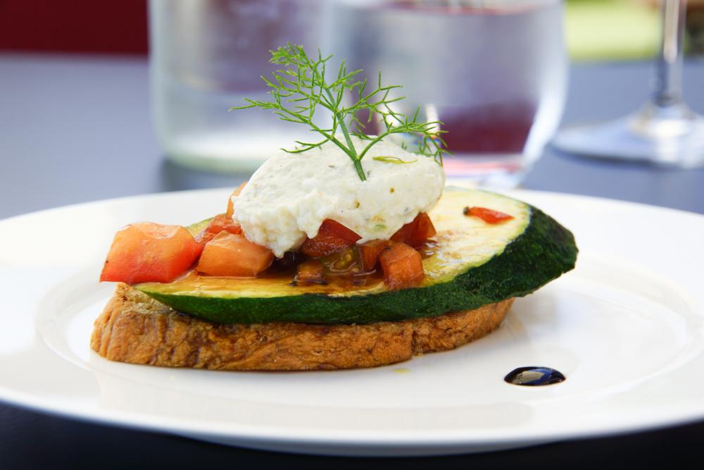 Restaurant Navis - Amuse mit gegrillter Zucchini