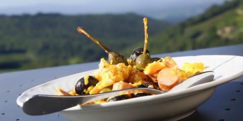 Rühreier mit Kapern und Oliven