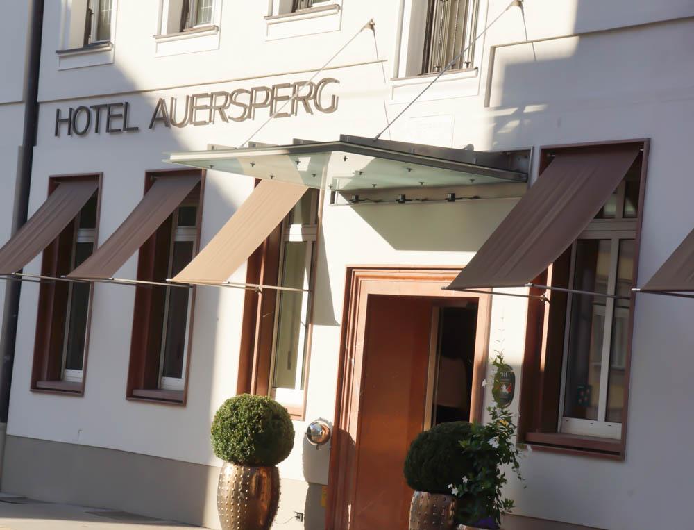 Hotel Auersperg Salzburg - Frontansicht von der Auersperger Straße