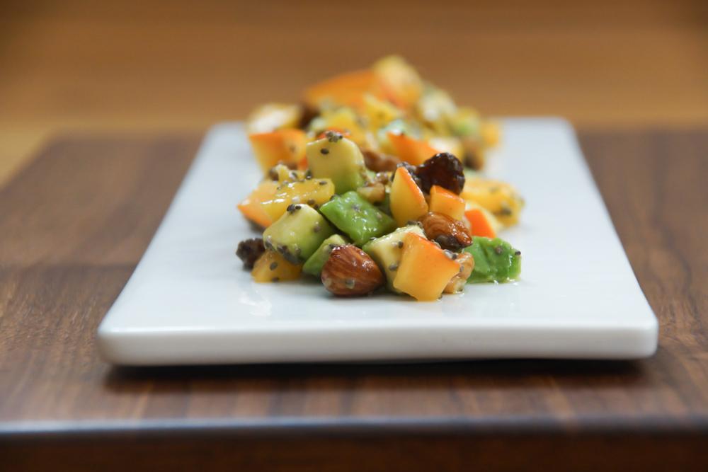 Mango Avocado Kaki Salat mit Chiasamen