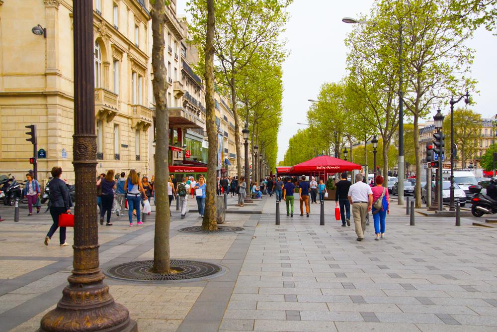 Die Straßen von Paris - Hoffentlich bald wieder friedlich