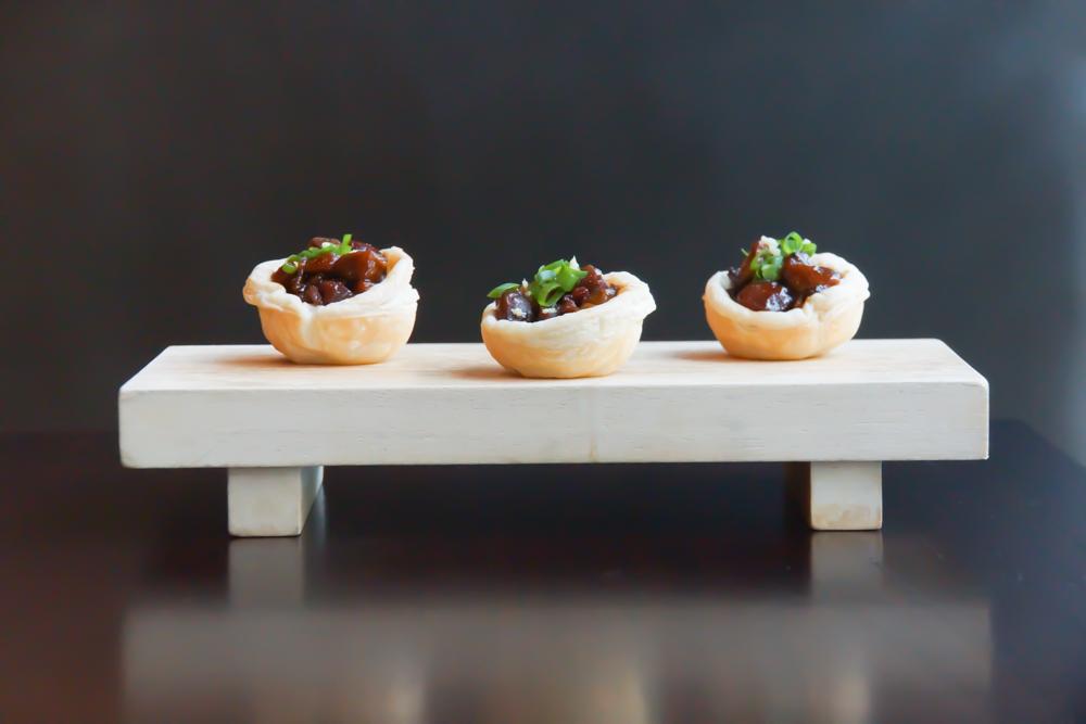 SRA BUA by Tim Raue - Honey glazed Porc Pastete mit tasmanischem Pfeffer