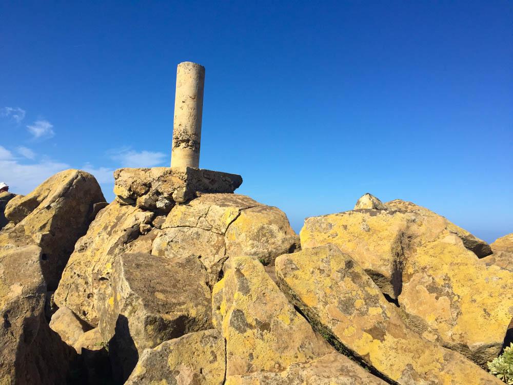Pico de la Zarza Rundweg - Das Gipfelkreuz mal anders