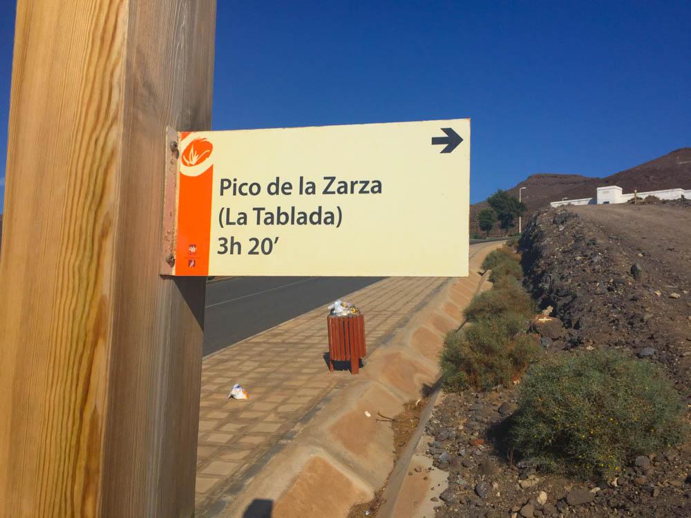 Pico de la Zarza Rundweg - Nun den vorgezeigten Abzweig nehmen