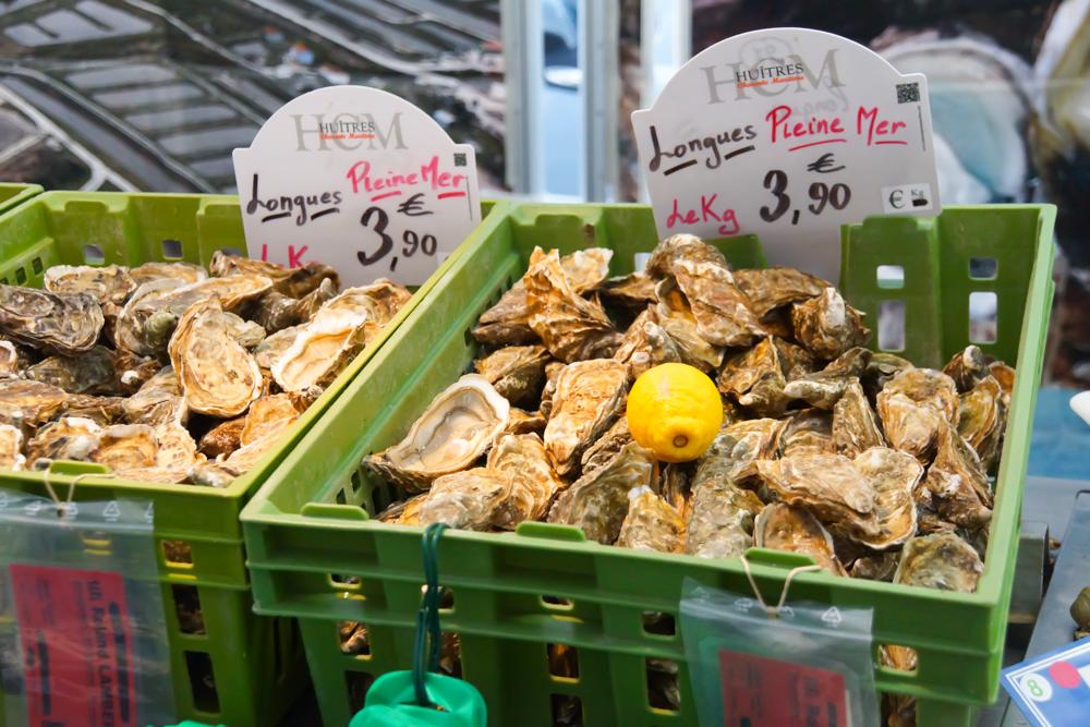 Marché de Talensac in Nantes - 4 Euro für ein Kilogramm Austern