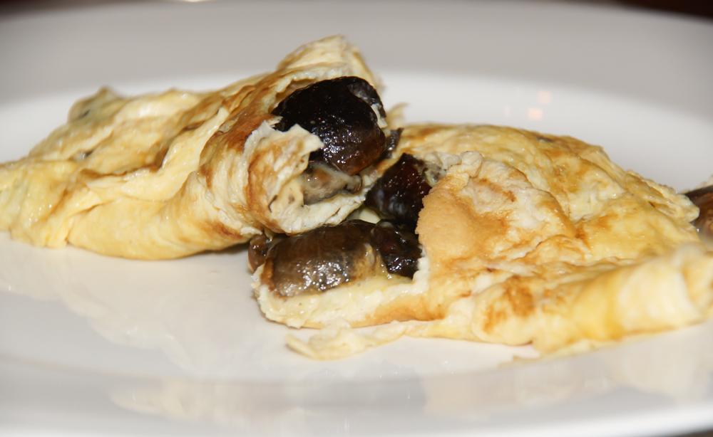Omelett mit Steinpilzen - So schaut es aufgeschnitten aus
