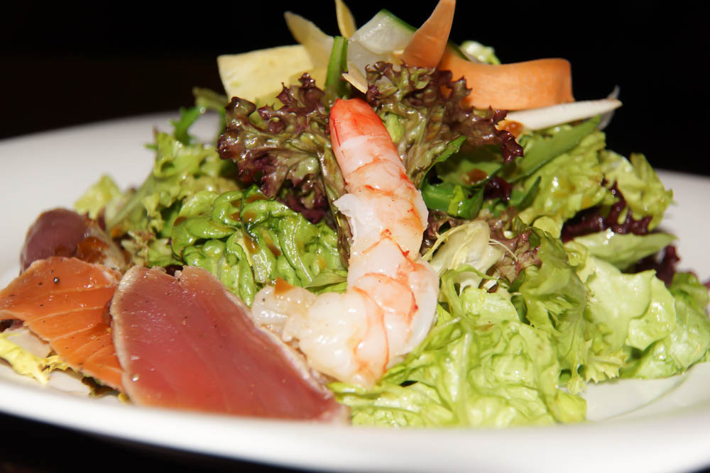 Gemischter Sashimi Salat mit Matsuhisa Dressing
