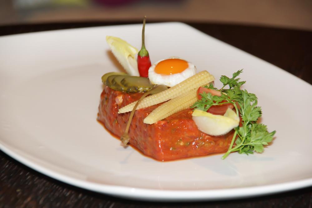 Hotel Adula - Köstliche Speisen Genießen