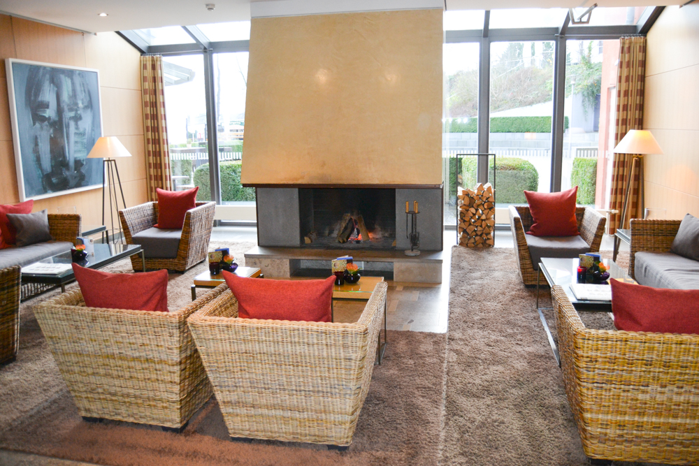 Hotel Esplanade Bad Saarow - Lounge mit Kamin