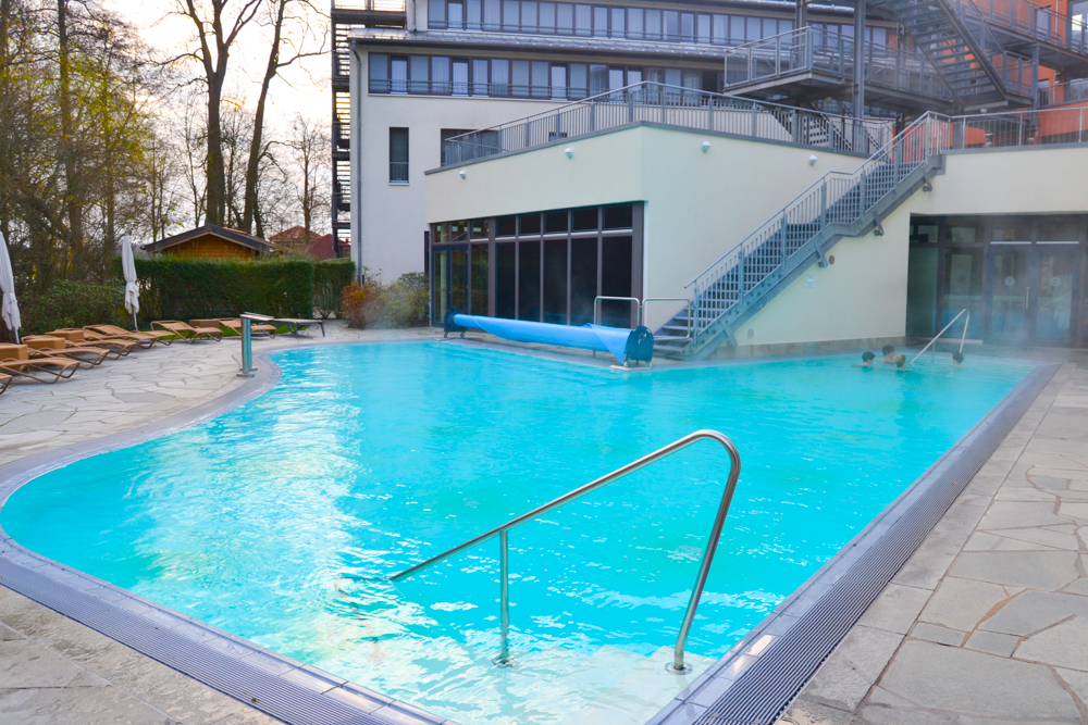 Hotel Esplanade Bad Saarow - beheizter Aussenpool