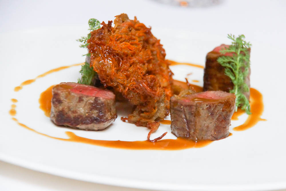 Le Chapon Fin Restaurant - Rind mit frittierten Kartoffeln