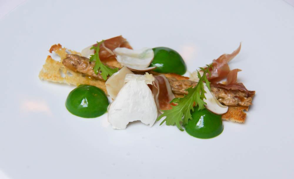 Le Chapon Fin Restaurant - Steinpilze, Olivenölbrot und Pata Negra2