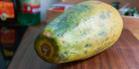 Papaya zubereiten - Die ganze Papaya