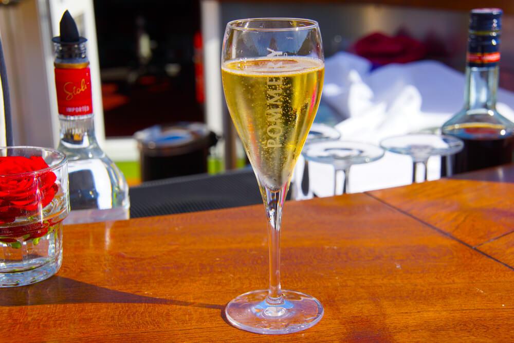 Ein Glas Champagner ist immer Willkommen