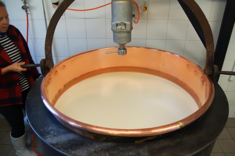 Raclette Käse herstellen - Schritt 1