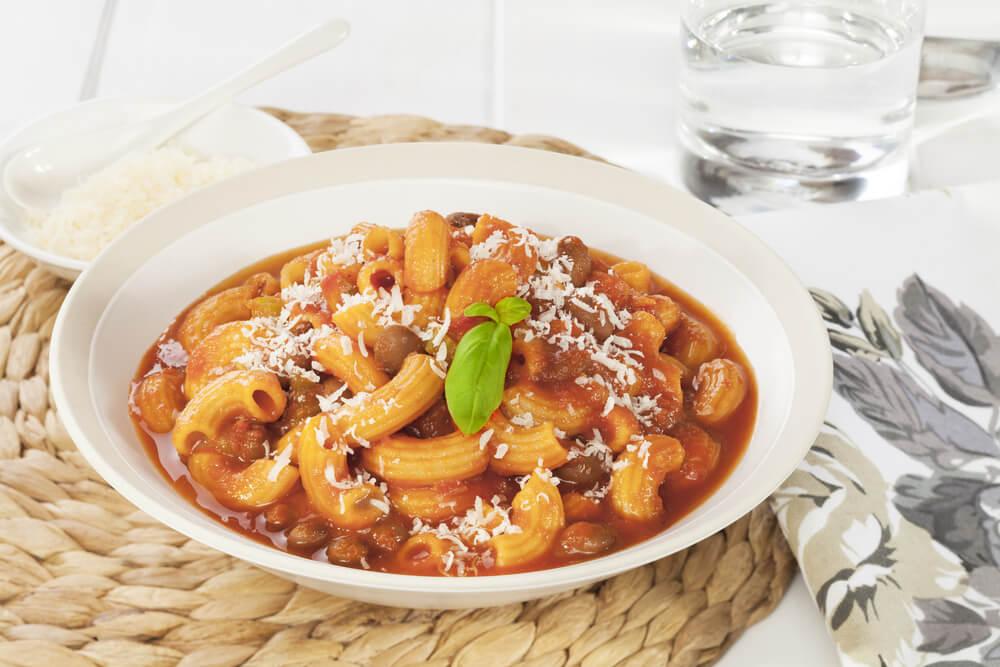 pasta e fagioli = dicke Bohnensuppe mit frischen Nudeln
