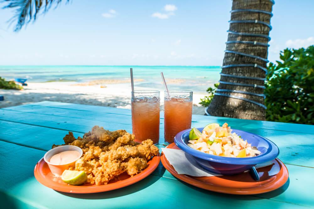 Conchsalat und frittierte Conch