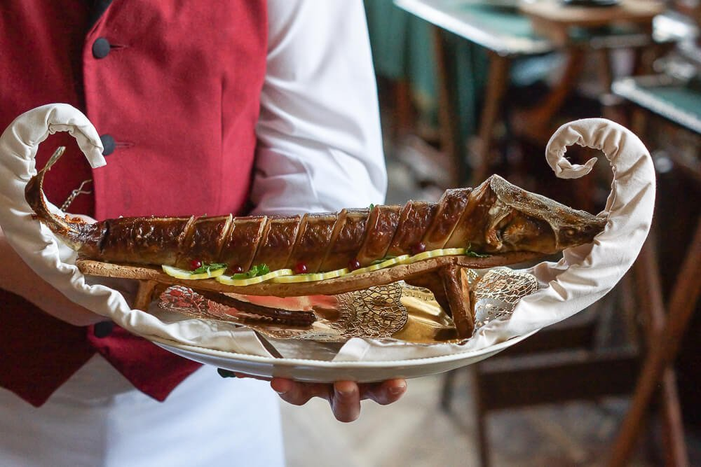 Café Pushkin, Moskau - Sterlet Fisch im Ganzen gegart