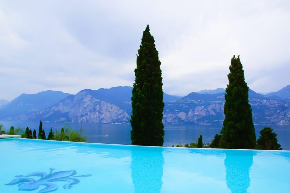 Hotel Bellevue San Lorenzo Malcesine - Pool mit Aussicht