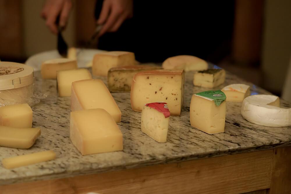 Hotel & Restaurant Castle - Blitzingen - Regionale Käse zum Reinlegen
