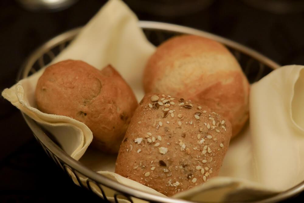 Hotel & Restaurant Castle - Blitzingen - tolles Brot zum Menü