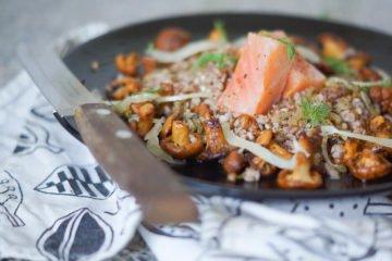 Lauwarmer Buchweizen-Pfifferlings Salat mit Räucherlachs 3