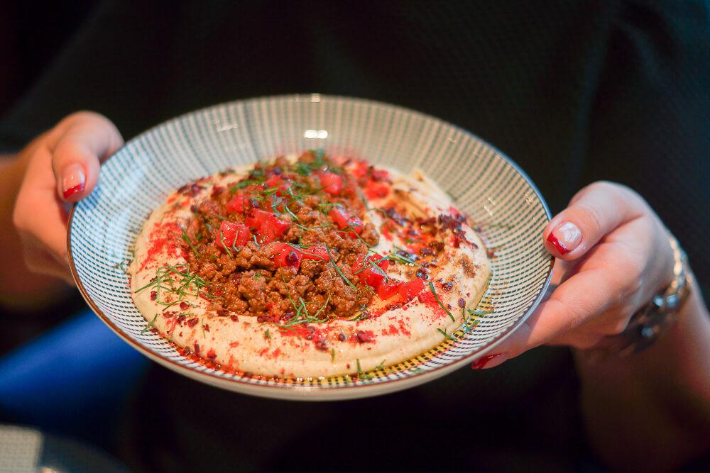 Nofar Restaurant Moskau - Hummus mit Lammfleisch