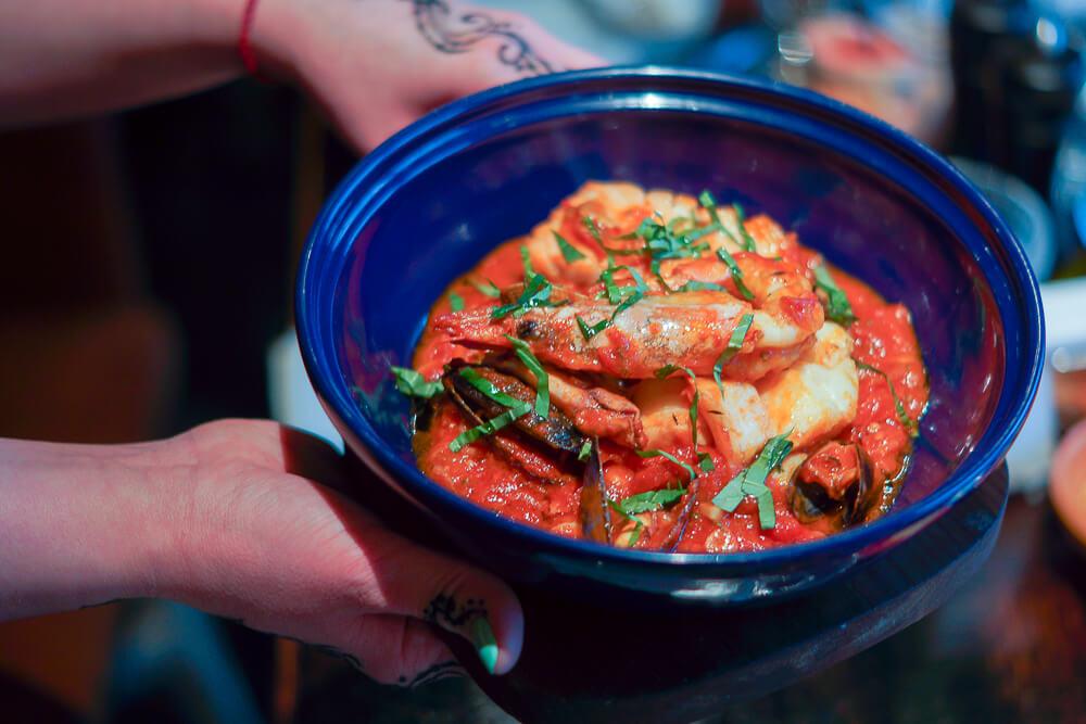 Nofar Restaurant Moskau - Seafood Tagine