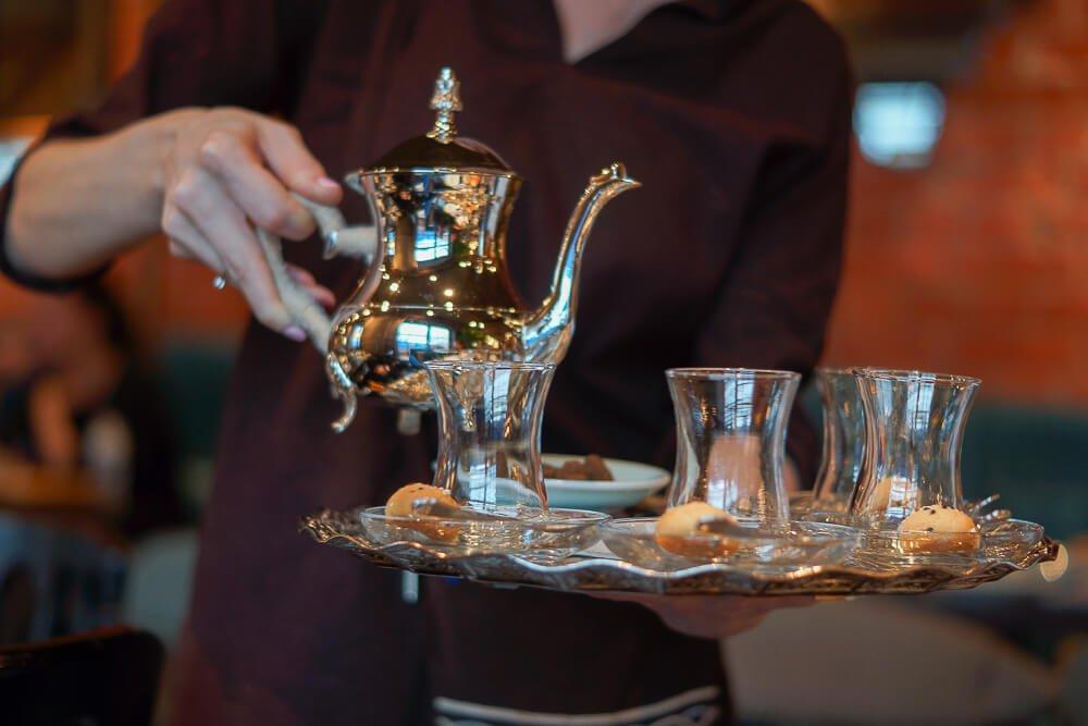 Nofar Restaurant Moskau - es gibt orientalischen Tee