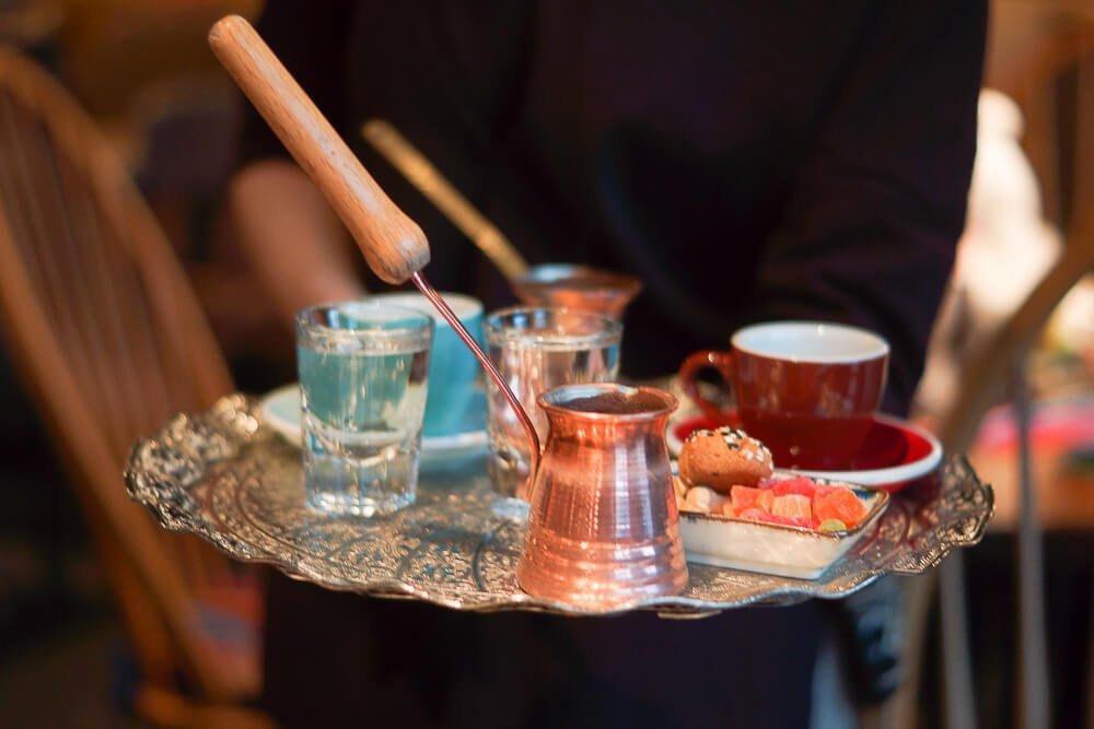 Nofar Restaurant Moskau - orientalischen Kardamom-Kaffee