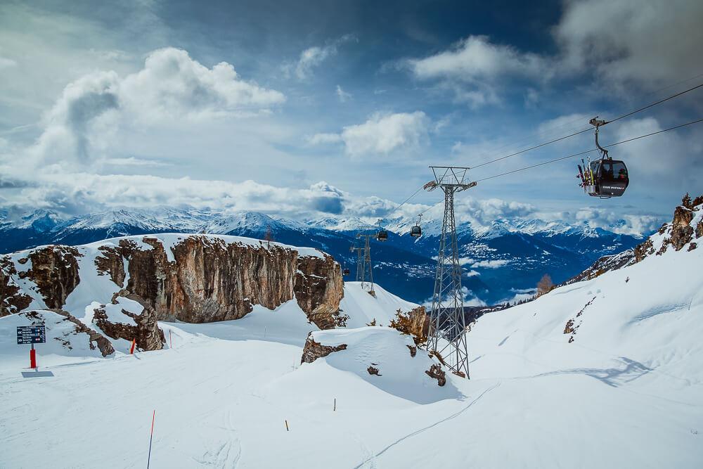 Berge im Winter in Crans Montana