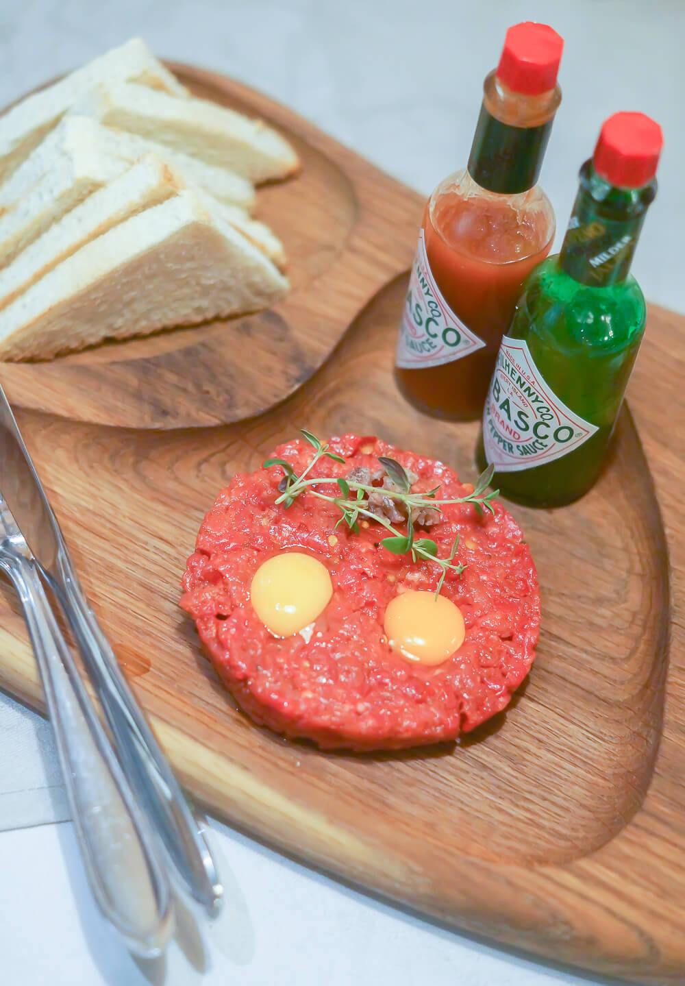 Kitchen Room Tallinn - Beef Tatar zum reinlegen mit Tabasco